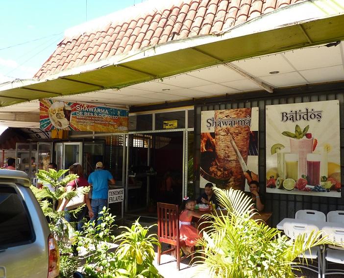 Nicaraguan kebab shop, Shawarma, in Leon