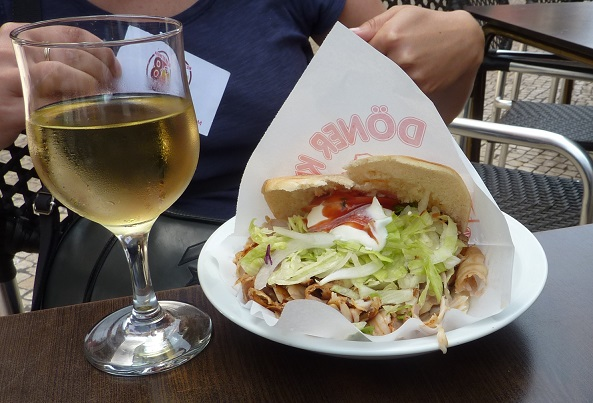 get kebab and wine from the kebab shop in Porto