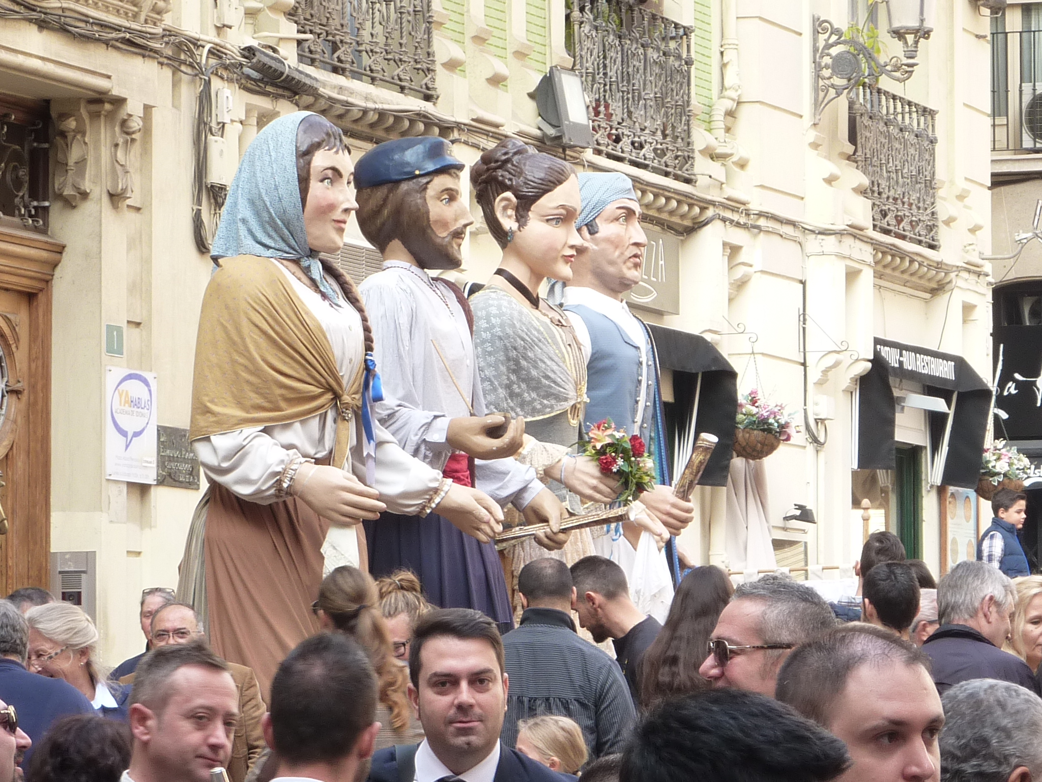 Dancing giants of Alicante